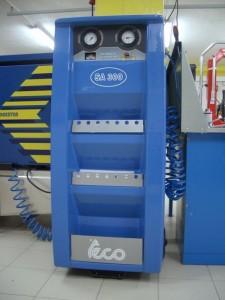 Аппарат для заполнения шин азотом.